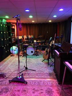Sun Mountain Live Room