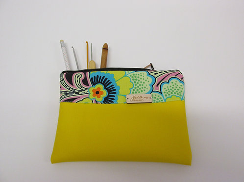 Small storage pouch 2561