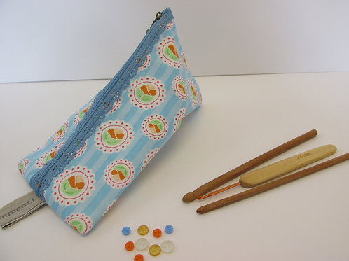 Small storage pouch 2309