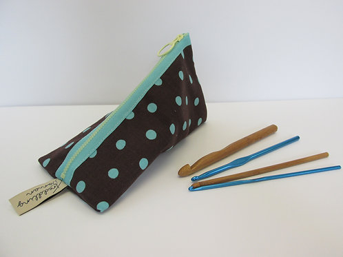 Small storage pouch 2389