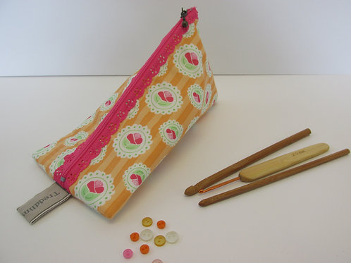 Small storage pouch 2305