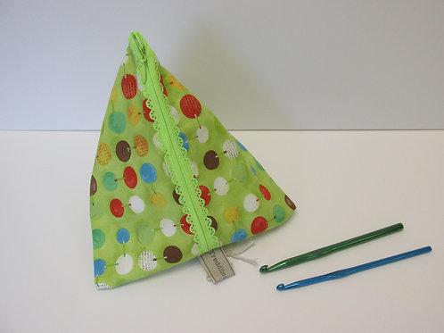 Pyramid bag 589