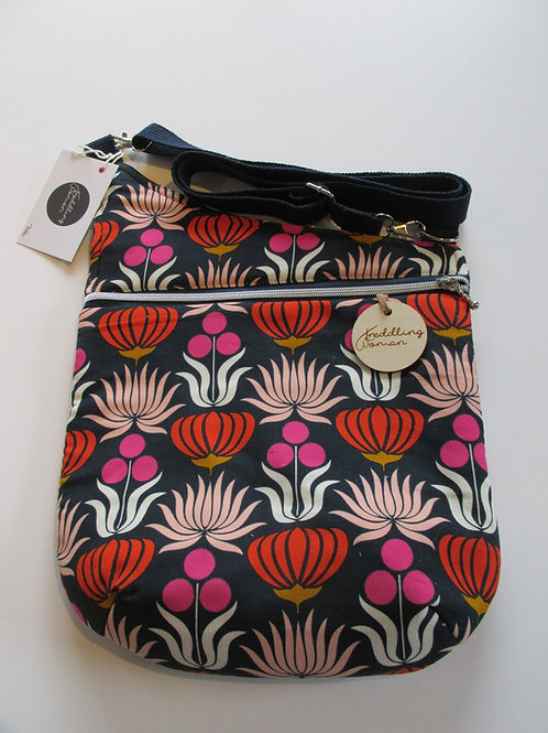 Cross body bag in Bright floral