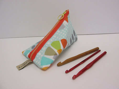 Small storage pouch 2567