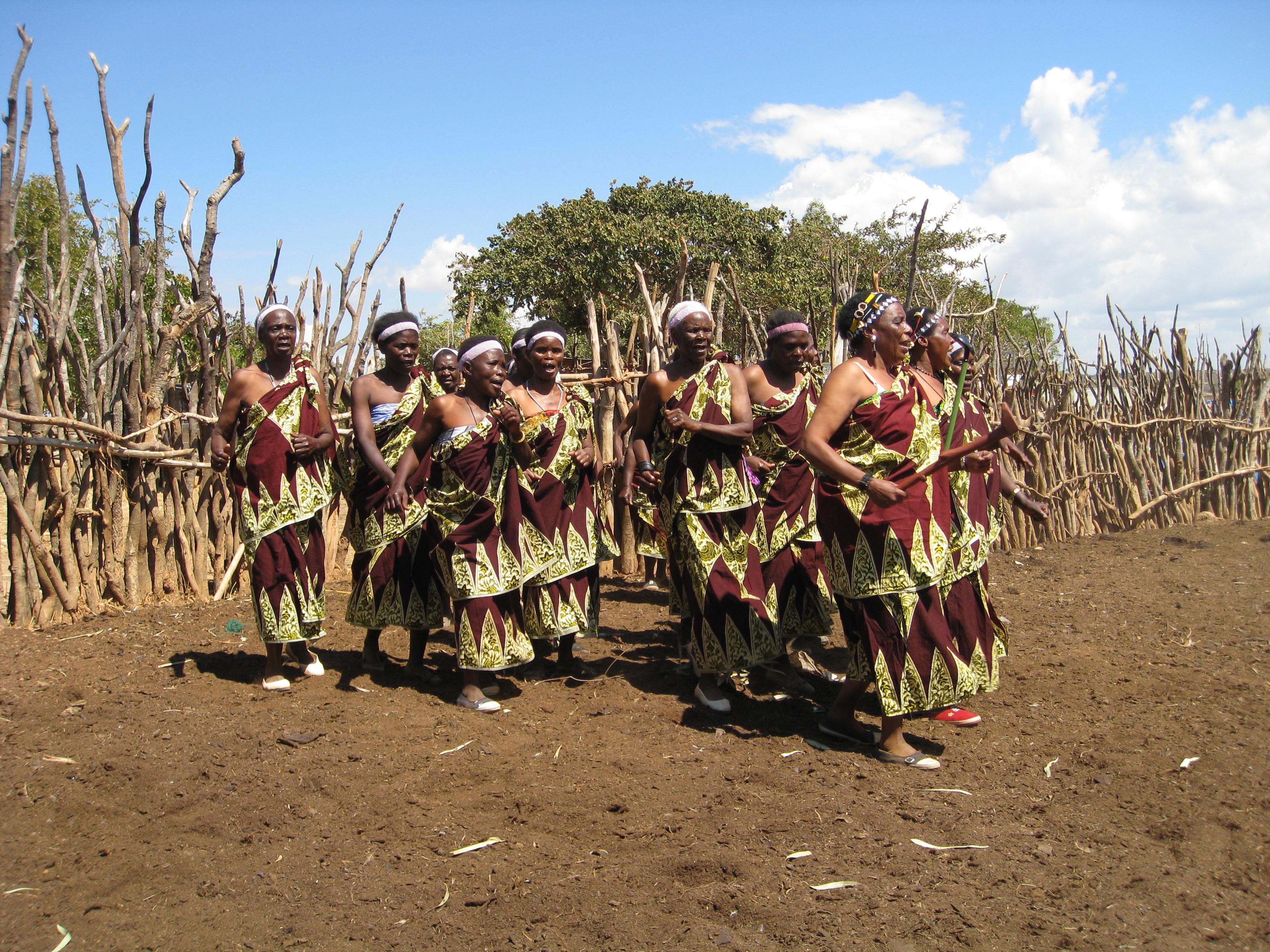 Women's Ngoma Kraal Dance