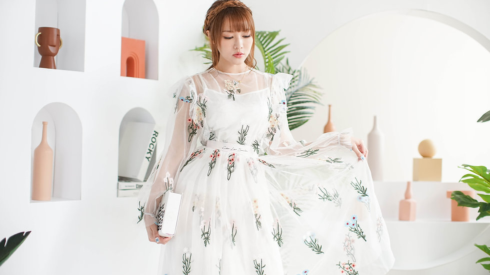 Kanalili Botanic Embroidered Hannah Dress