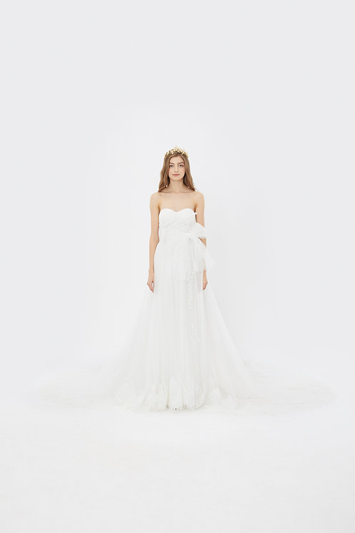 KanaLili lily of the valley daydreamy gown