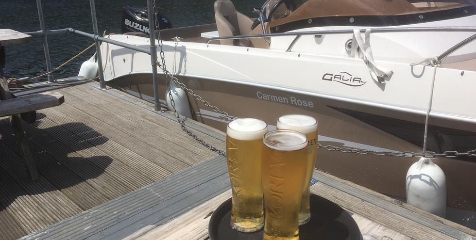 A nice refreshing pint of beer at the Pandora