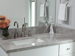 DP_Stephanie-Hatten-white-modern-bathroom-counters_h.jpg.rend.hgtvcom.1280.960