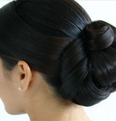 sIMPLE Bridal Bun for bridesmaids.jpg