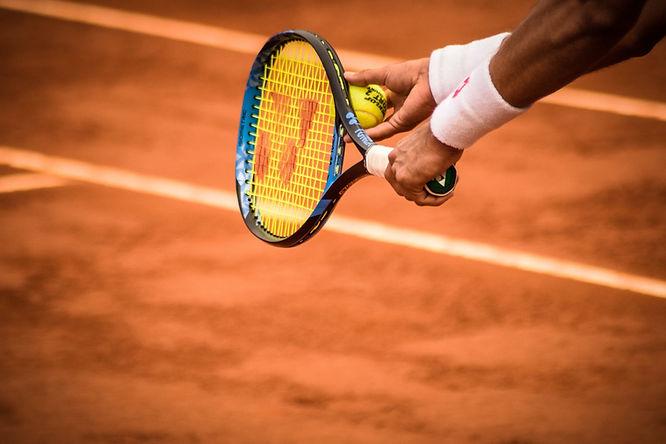 סקירה טניס ופציעות