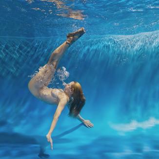 Diveback.jpg