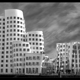 GHERY BUILDING