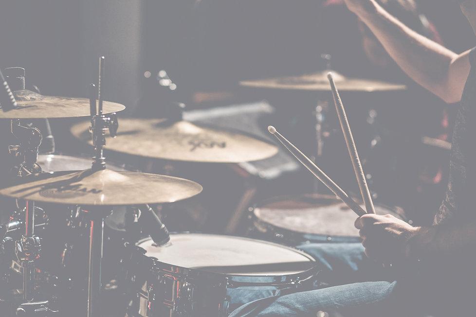 drums-2599508_edited.jpg