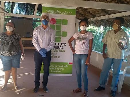 IFTO faz doação ao MIQCB de gel sanitizante de álcool para prevenção à Covid 19