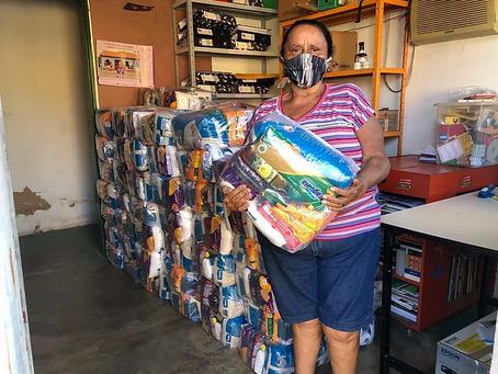 MIQCB entrega 550 cestas básicas na região do Bico do Papagaio