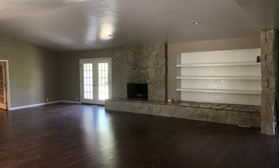 Regency Fireplace 1.HEIC