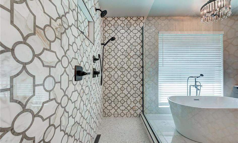 Regency Guest Shower 1.1.jpg
