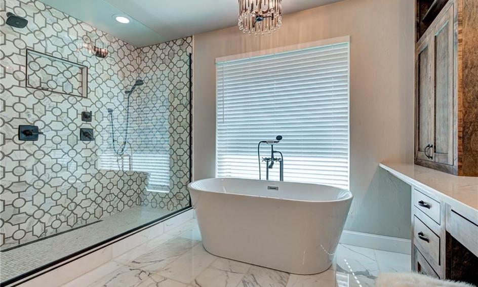 Regency Guest Shower 1.2.jpg