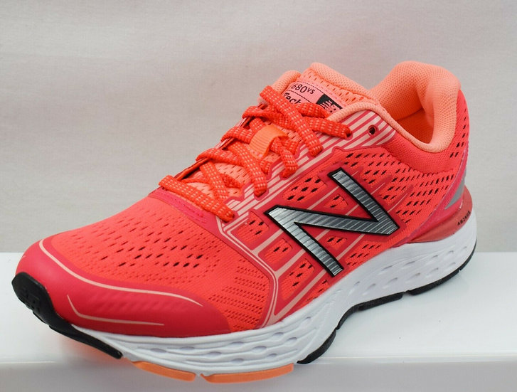 NEW BALANCE 680 V5 LADIES TRAINERS NEW SIZE UK 4 B