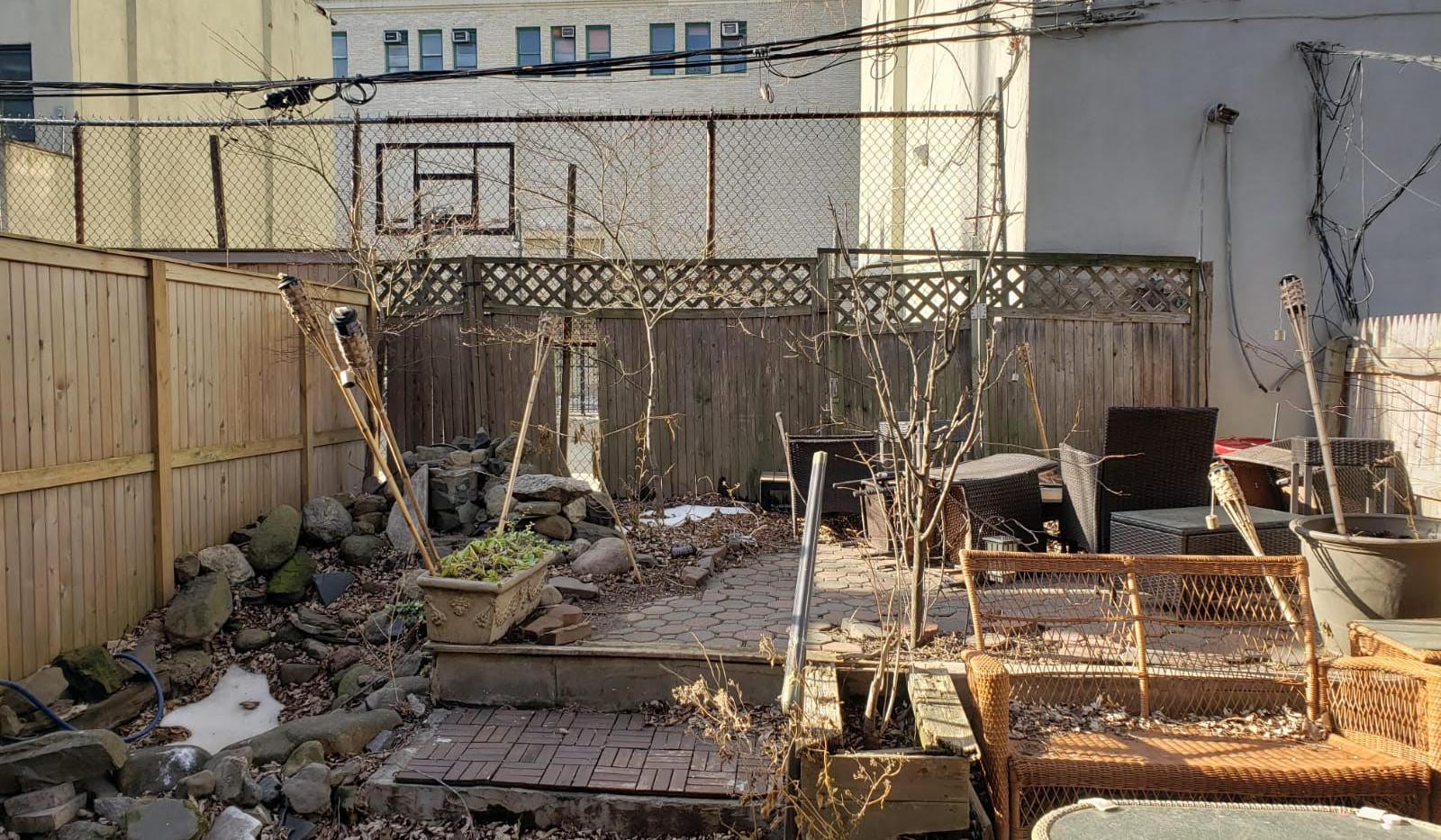 outdoor backyard 3.jpg