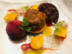 タルト・タタン&ジェラート マンゴーのわらび餅添え