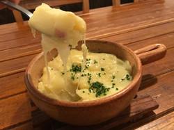 マッシュポテトとラクレット&モッツァレラのチーズグラタン