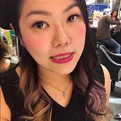 Blogger Nicole
