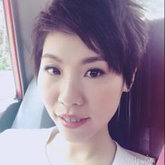 Blogger Sally