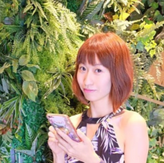 Blogger Sharon