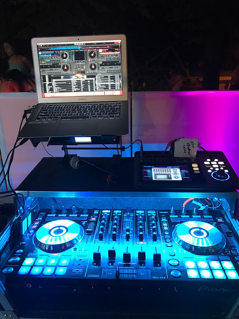 Top notch DJ controllers with Virtual DJ and Serator Software.