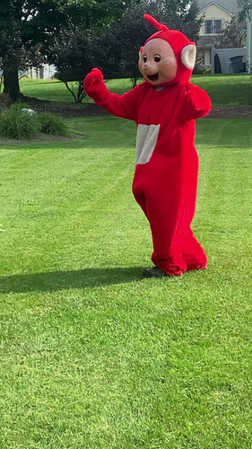 red teletubbie video.MOV