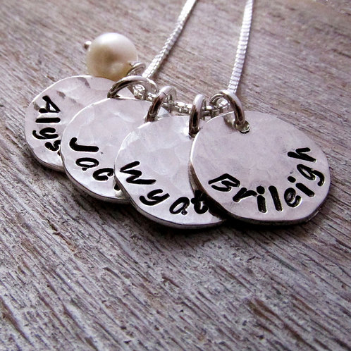 Mommy Necklace - Four Loves