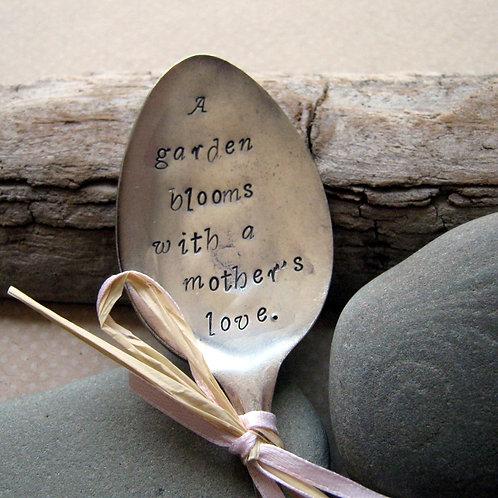 A Mother's Love Garden Spoon