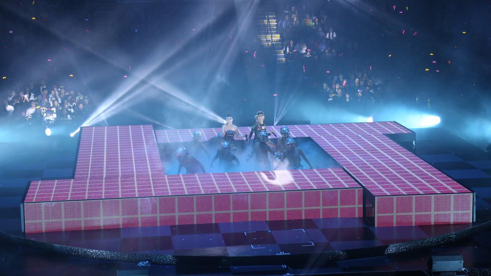 Twin LOL Live In Hong Kong 1