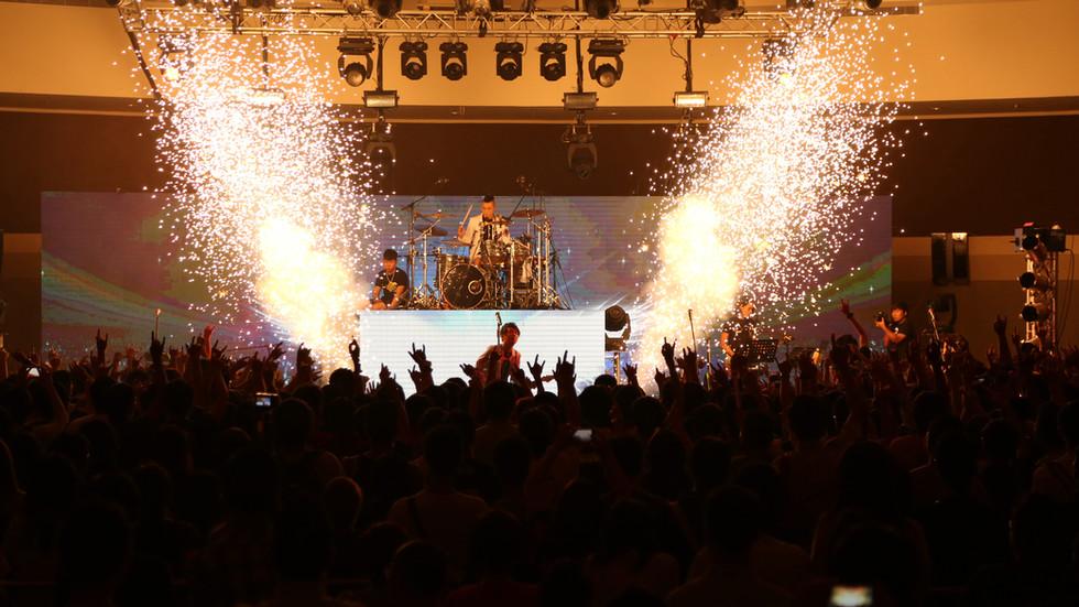 ToNick 3REE Live