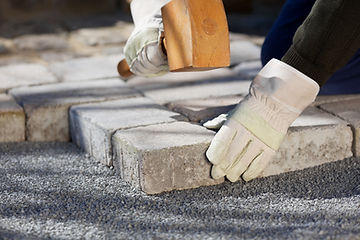 Handlaying pavers