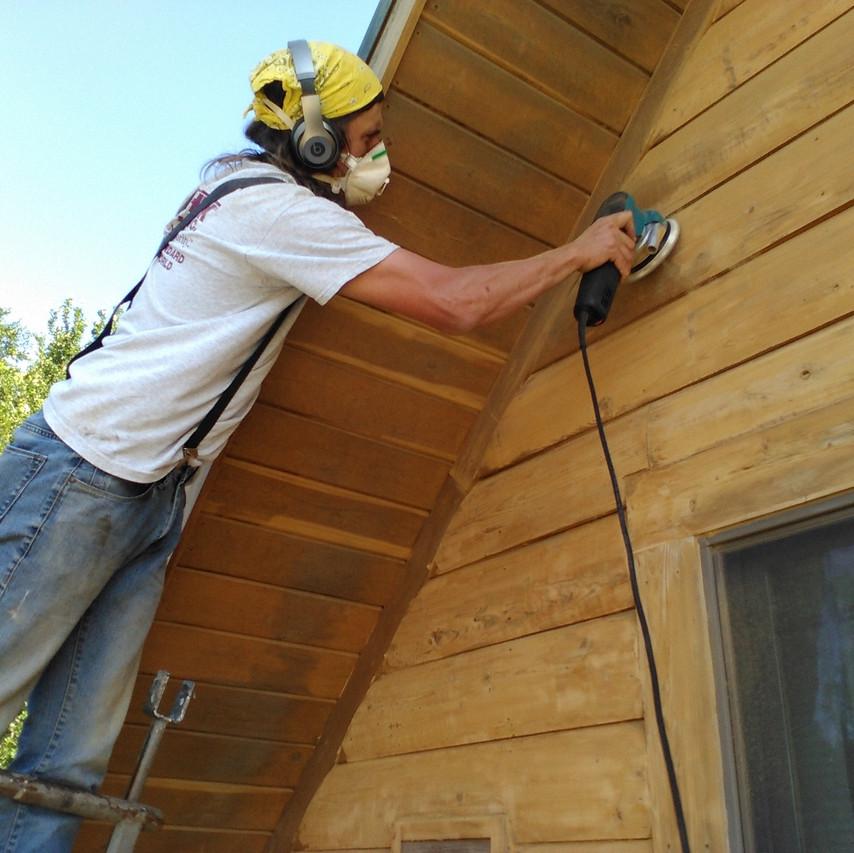 sanding log home 2