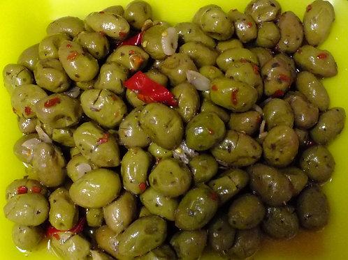 olive verdi schiacciate con nocciolo con peperoncino 500g