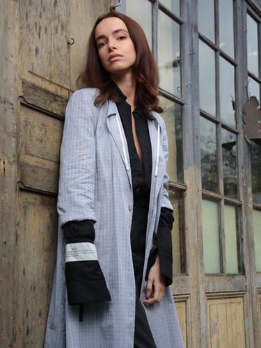 Blouse Aimante, chemisier Filter et pantalon Dévoilé