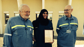Prof. Harald Oye and Dr. Morten Sorlie with Dr. Mariam Jalaf from Dubal with her Diploma