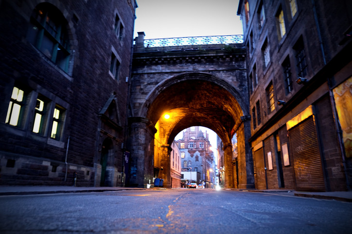 Deep in the shadows of Canongate