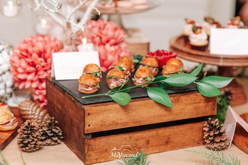 finger food table decor