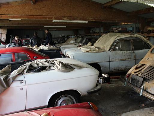 70 autos découvertes dans une grange en Bretagne