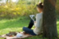 Ingimage-Woman-Ebook-park-ing_42578_0018
