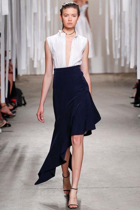 Tips for shorter legs: asymmetric skirts and dresses