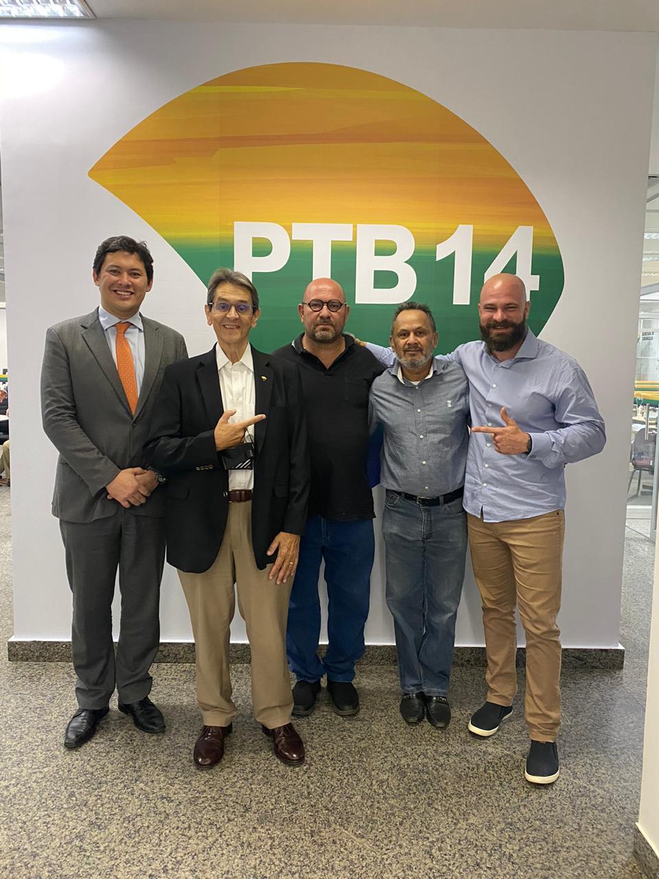 Ex-ministro do Trabalho Helton Yomura, Roberto Jefferson, Tabanez, advogado Beltides José da Roch, 1º secretário Jurídico do PTB, Luiz Gustavo Pereira da Cunha.