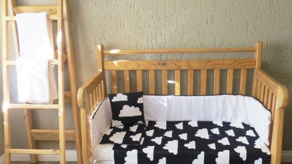 Black and White Cloud Bedding Set