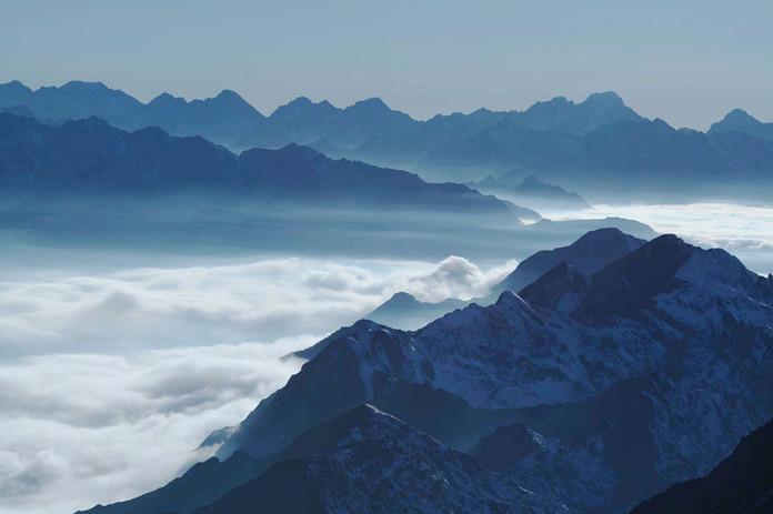 Mer de nuages - vue drone Tourmalet.jpg