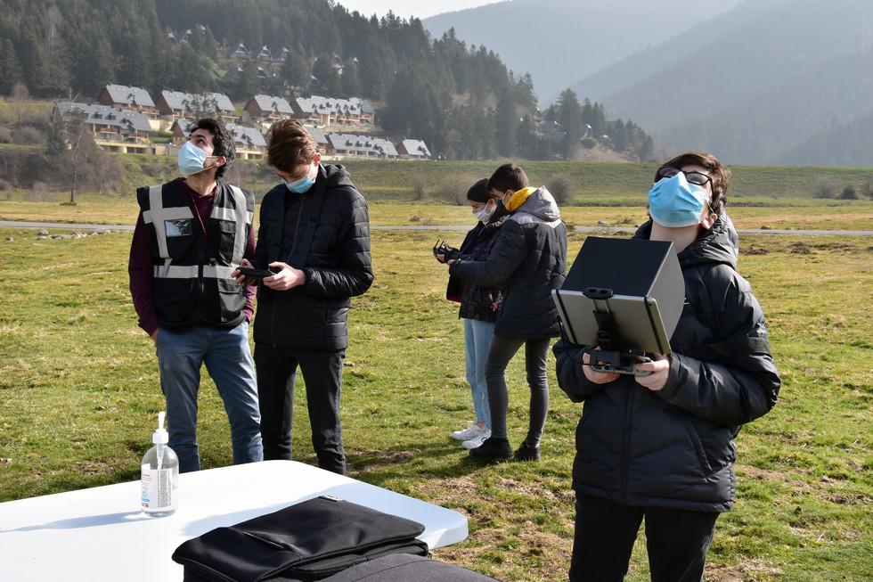 Séance de découverte du pilotage de drones à Payolle - Dronespace 2